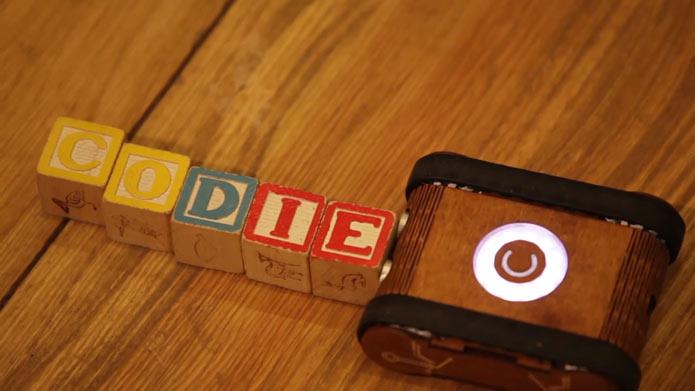 Codie Robot Toy Robot-techcresendo