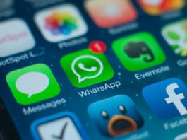 How to read WhatsApp messages WITHOUT blueticks